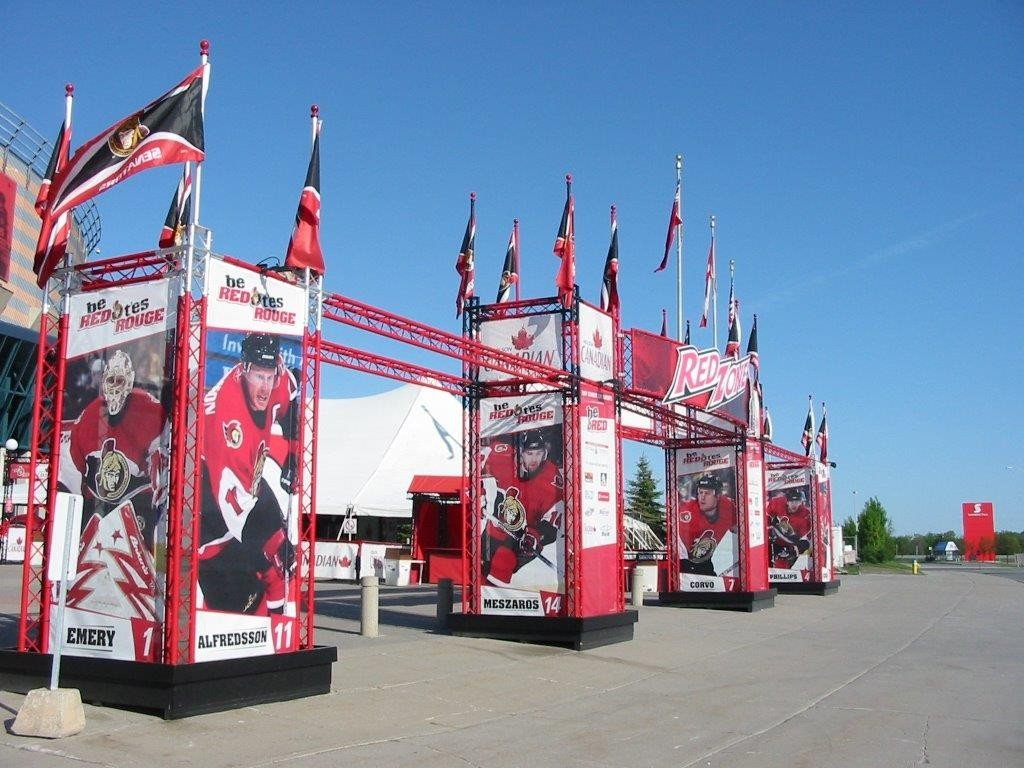 trilite-nhl-ottawa-stadium-entrance